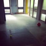 6harms-corridoio-camminando-palle3